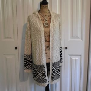 Creme & Black Hooded Sweater Size M